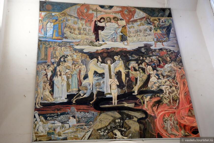 Картина Страшный суд - она сохранилась в соборе со старых времен
