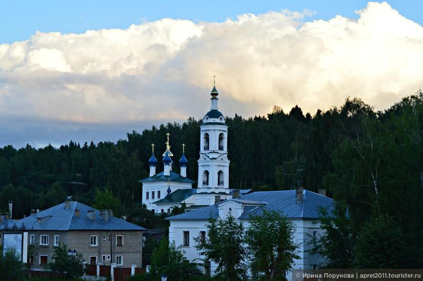 Варваринская церковь на закате дня