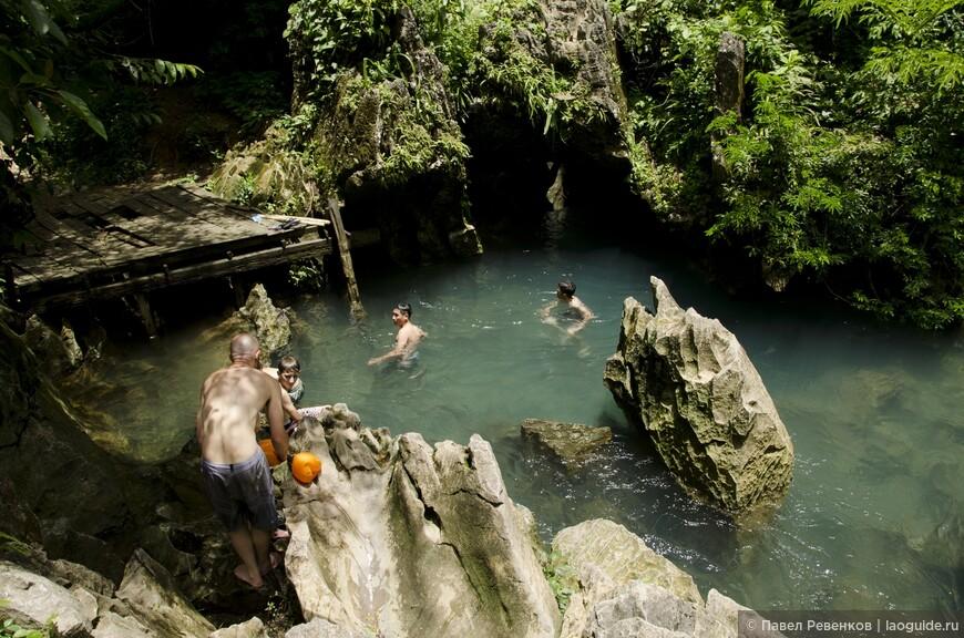 Голубая Лагуна возле Jang Cave