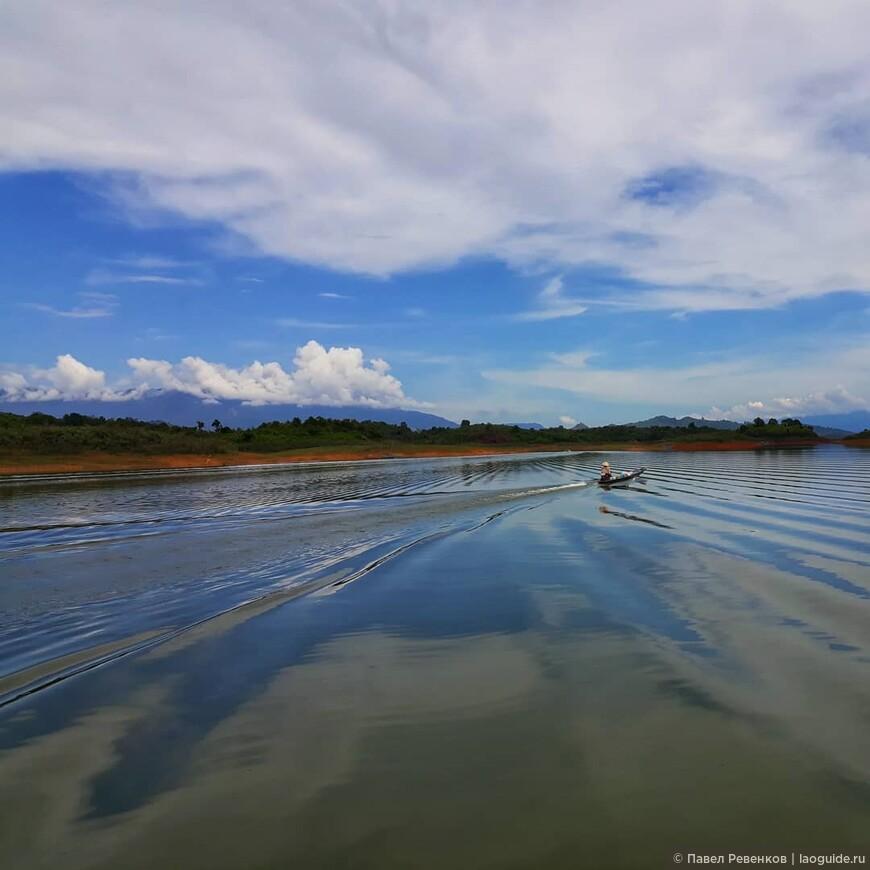 Озеро Nam Ngym.
