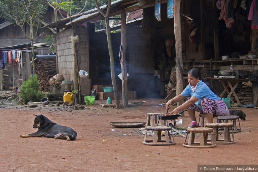 Деревня недалеко от города Луанг Намтха