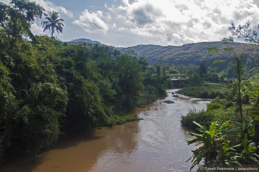 Река Нам Ха недалеко от города Луанг Намтха