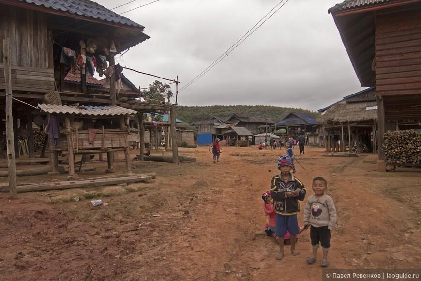 Деревня в окрестностях Мыанг Син