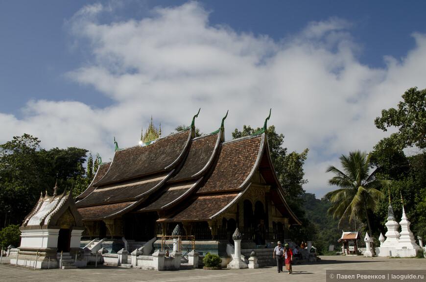 Королевский храм Ват Сиентон. Самый старый храм города.