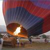 Взлет воздушного шара со старого военного аэродрома