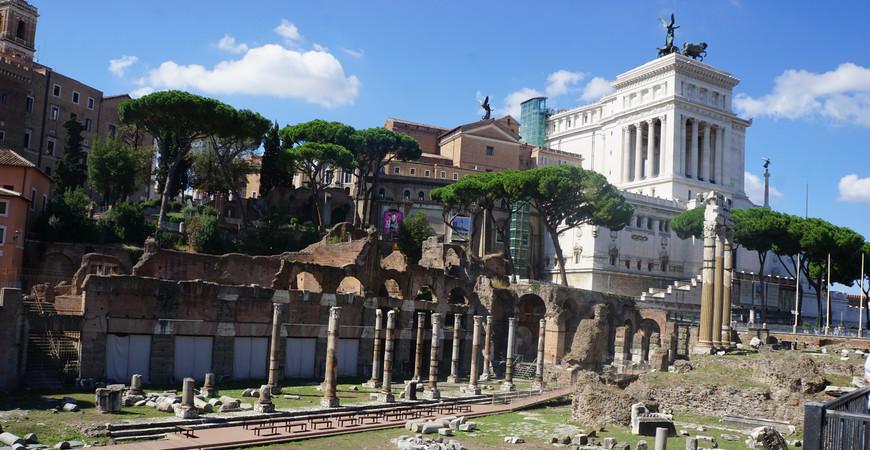 Форум Юлия Цезаря в Риме