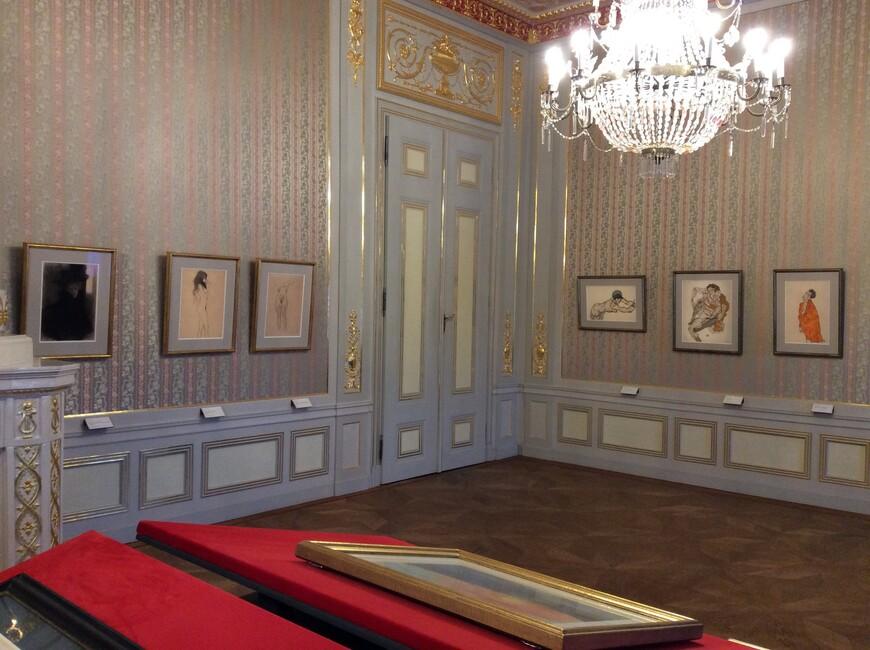 Экспозиция (копий) рисунков Эгона Шиле и Густава Климта в Альбертине. Фото Юлии Абрамовой, 2018