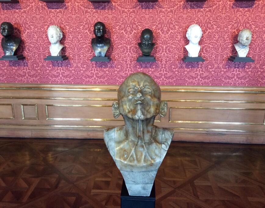 Собрание работ Мессершмидта в Верхнем Бельведере. Фото Юлии Абрамовой, 2018