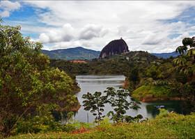 Гуатапе и Эль-Пеньол — потаённые сокровища колумбийской глубинки