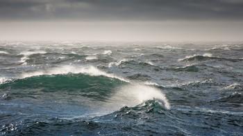 В Индонезии затонул паром со 140 пассажирами на борту, есть жертвы