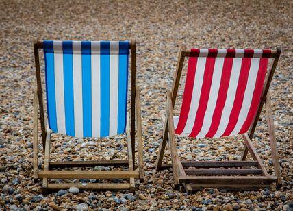 deck-chair-2682753_1280.jpg