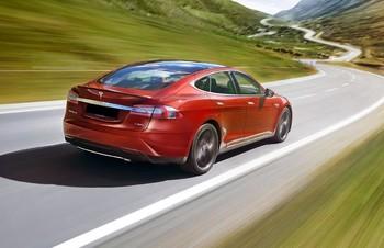 В Швейцарии предлагают туры по стране на электромобилях