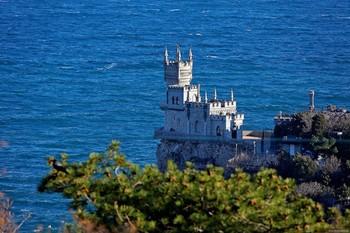 В Крыму отреставрируют и подсветят «Ласточкино гнездо»