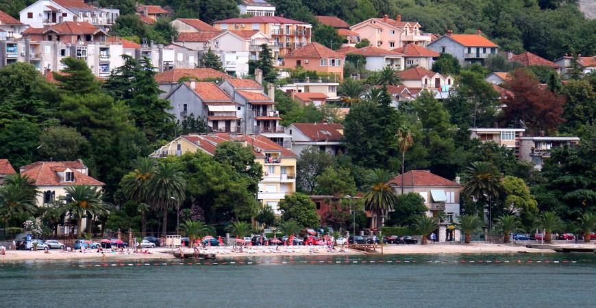 Городской пляж Доброта (Dobrota plaža)