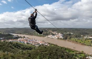 Испанию и Португалию связали линией зип-лайна