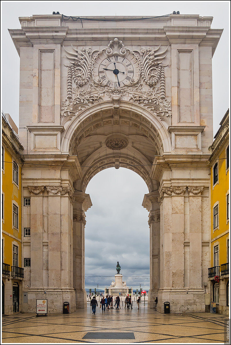 Триумфальная арка Руа Аугуста., Я и лаг у троп. Португалия! (палиндром)