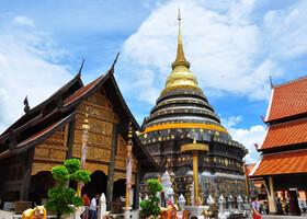 Храм Ват Пратхат Лампанг Луанг
