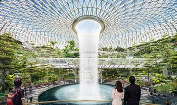 В аэропорту Сингапура появится самый высокий в мире крытый водопад