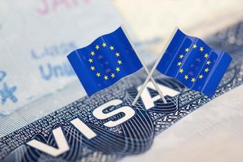 Все визовые центры РФ могут закрыться из-за введения аккредитации