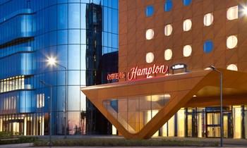 В Петербурге отели Hilton трудоустраивают бездомных