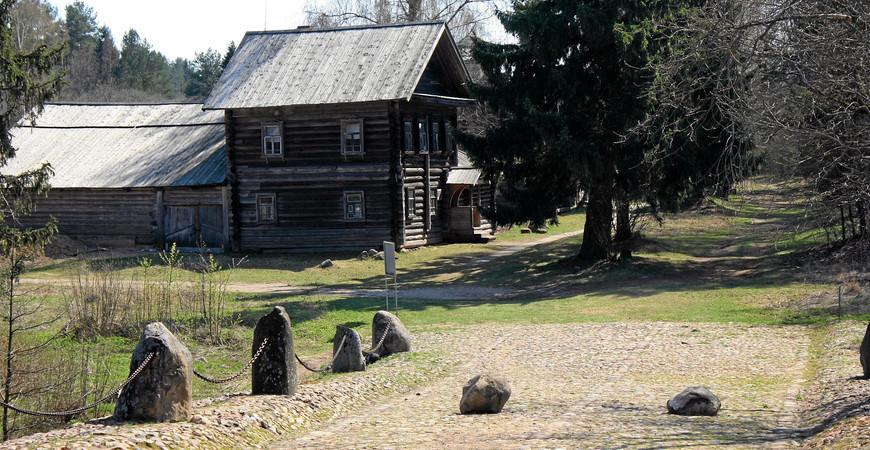 Усадьба Василёво и музей деревянного зодчества