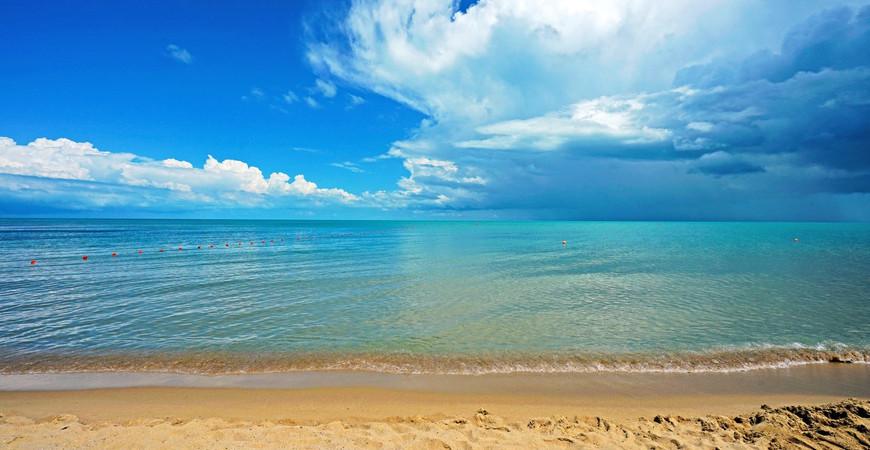 Пляж Иракли (Irakli Beach)