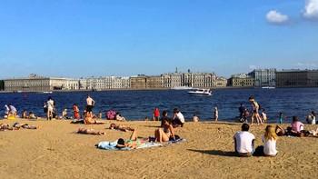 Роспотребнадзор запретил купаться в Петербурге