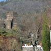Средневековый замок в посёлке Лоуза