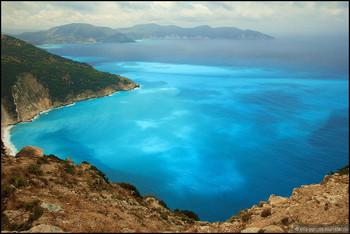 Власти Греции просят туристов помочь им в сборе налогов