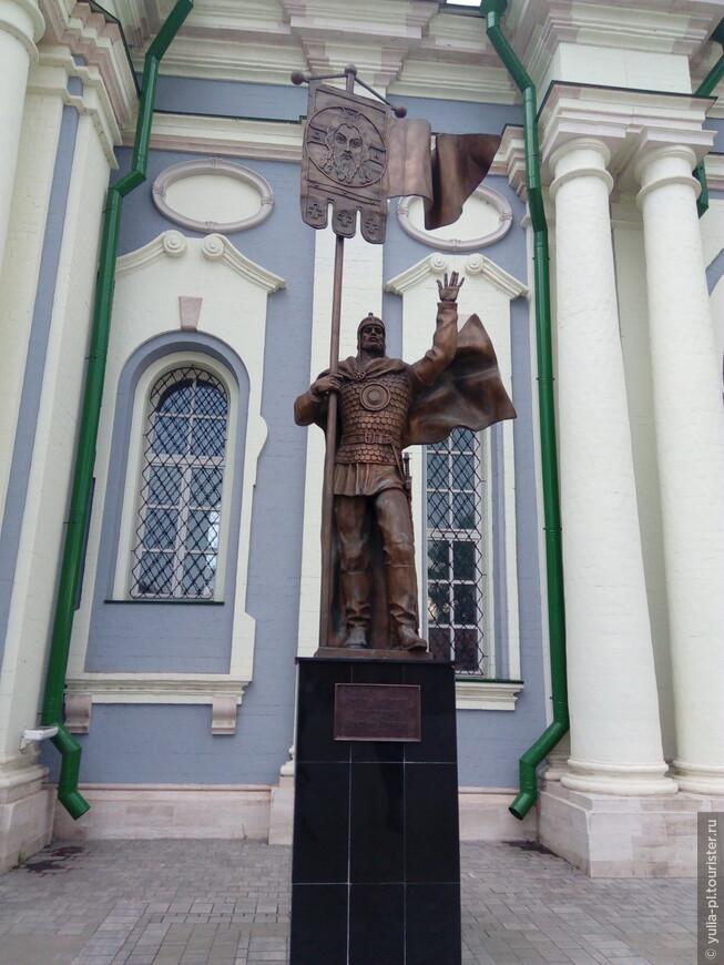 Памятник Дмитрию Донскому в Тульском Кремле