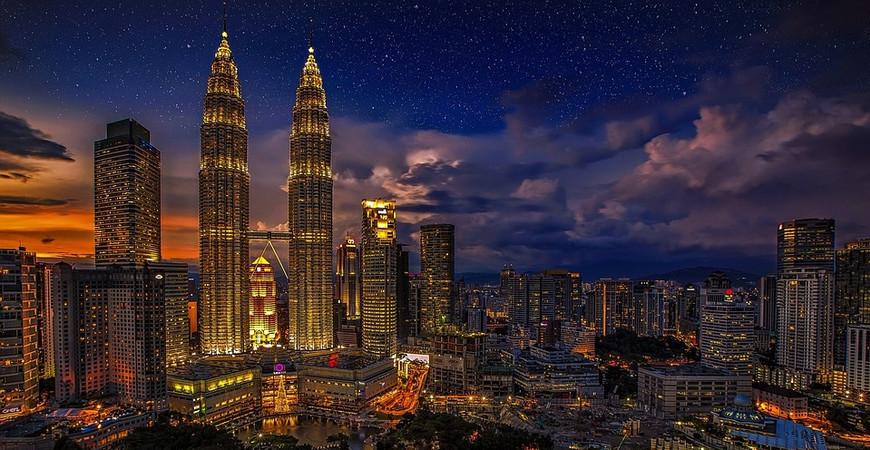 Петронас Твин Тауэрс (Petronas Twin Towers)