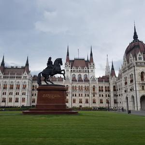 Пасмурный Будапешт
