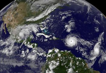 К побережью США движется мощный ураган Флоренс