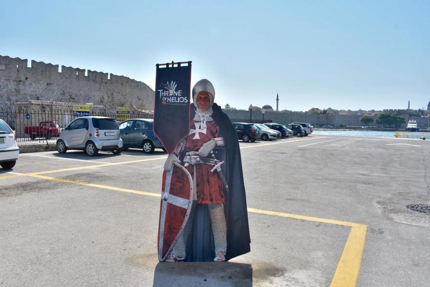 """моему мужу """"наряд"""" рыцаря - госпитальера очень хорошо подошёл. С острова их изгнал Сулейман Великолепный, Рыцари обосновались на острове Мальта и стали называться Мальтийскими рыцарями.  Сулейман Великолепный попробовал и Мальту захватить, но рыцари уже знали, с кем имеют дело, так укрепили остров, что ничего на этот раз у турецкого султана не получилось."""
