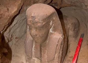 В Египте обнаружен сфинкс эпохи Птолемеев