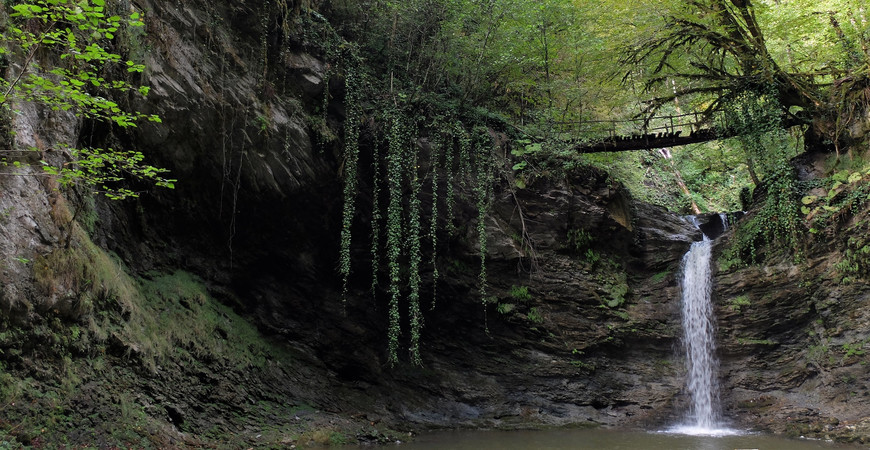 Водопад Ажек в Сочи