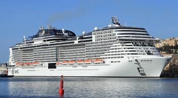 В порт Санкт-Петербурга зашел крупнейший круизный лайнер в истории