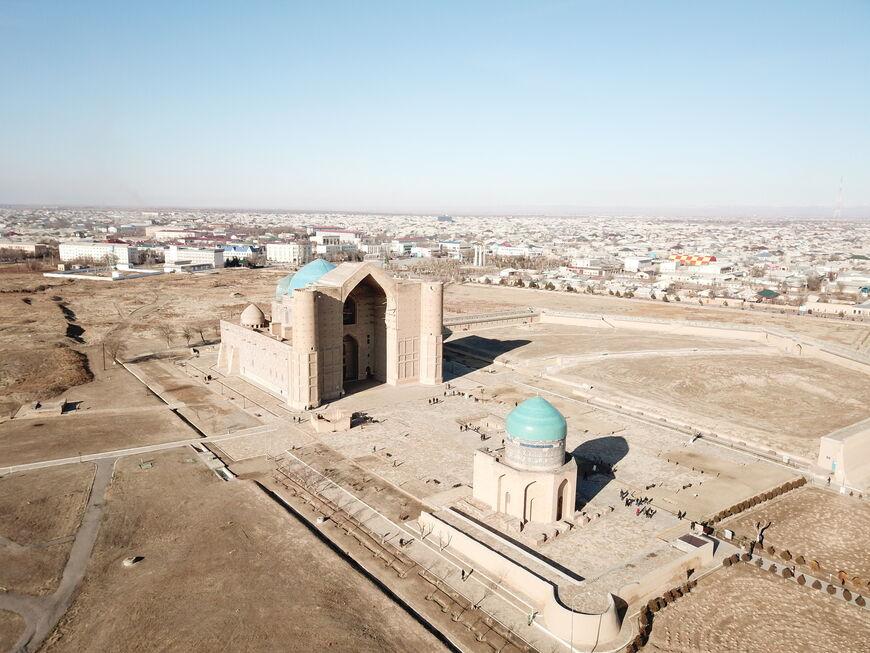 Панорамный вид на мавзолей