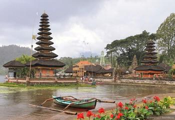 На Бали введут новые правила посещения храмов для туристов