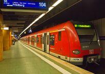 Frankfurt_Hauptbahnhof_tief_S-Bahn_S6.jpg