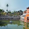 Священный водоем. Храм Шри Мангеши