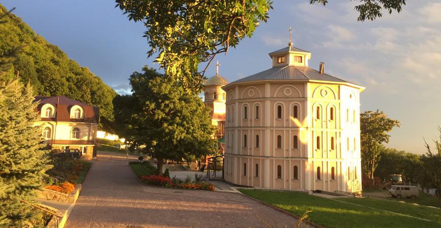 Второ-Афонский Свято-Успенский Бештаугорский мужской монастырь в Пятигорске