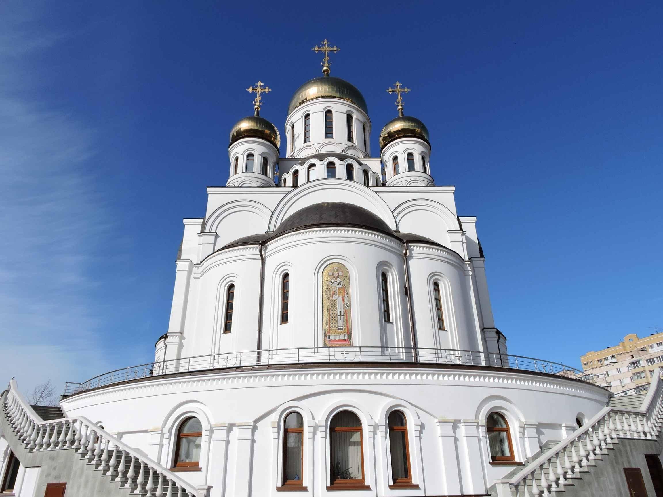 троицкий храм казино расписание богослужений