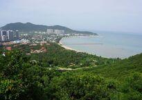 Sanya_Bay_三亞湾_-_panoramio.jpg