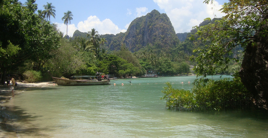 Пляж East Railay
