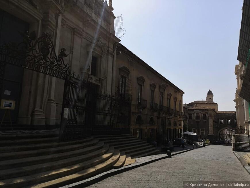 Катания- город из лавы. Исторический центр.