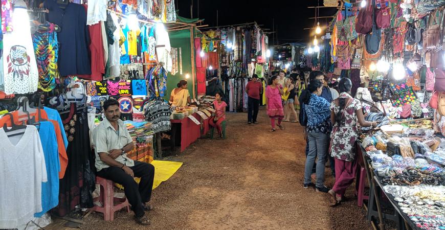 Ночной рынок в Арпоре (Saturday Night Market in Arpora)