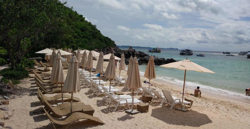 Пляж Та Яй (Ta Yai Beach)