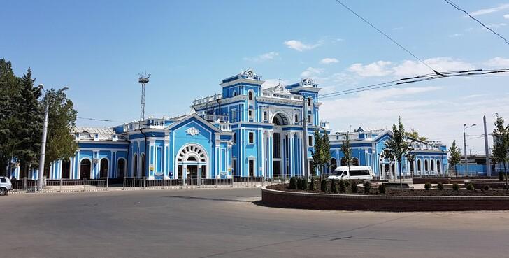 Железнодорожный вокзал Ставрополь