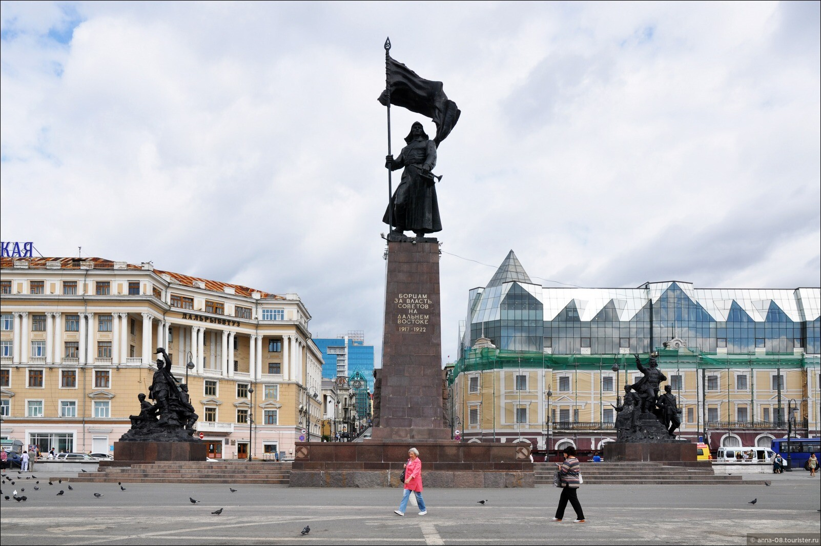 этом фото центральной площади города владивостока что немаловажно